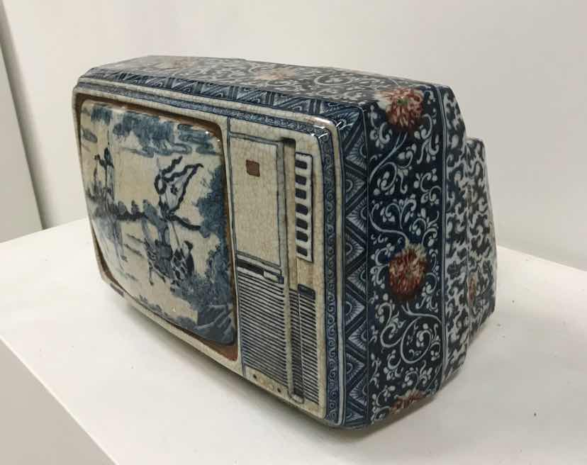 Ma Jun – New Chinese Series – Blue and White TV, Porcelain, ca. 44 x 30 x 28 cm