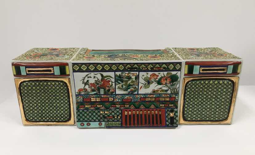 Ma Jun – New Chinese Series – Colored Radio , Porcelain, ca. ca. 35 x 18 x 22 cm